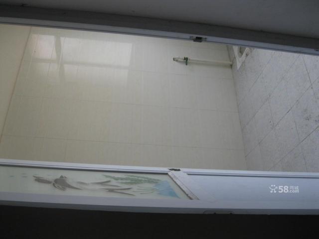 财富广场附近120平大门面仓库便宜出租-图(1)