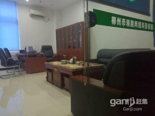 精美装修卡位式办公场地带电脑、空调、办公设施设备出租-图(2)
