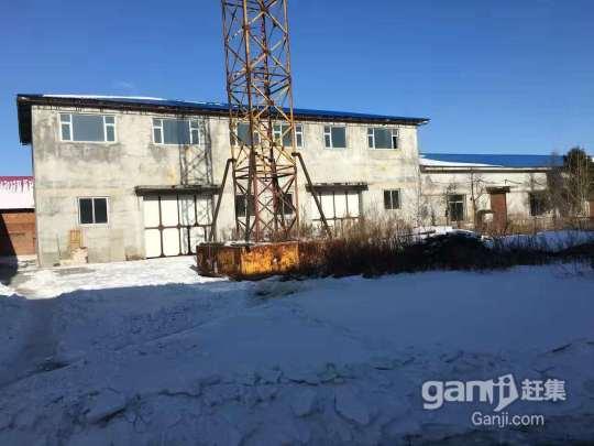 出租 自家仓房 位于 延吉市火车站南侧 厂房面积5000平-图(1)