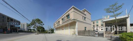 占地面积5亩,建有厂房一栋三层楼,面积3000平方米,办公楼一栋四层,60