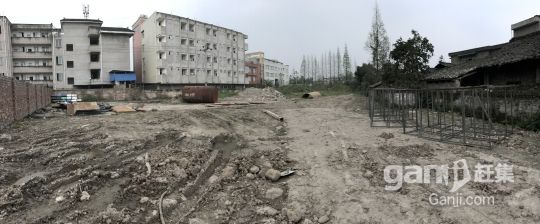 草坝中学旁临街空地出租交通便利-图(1)