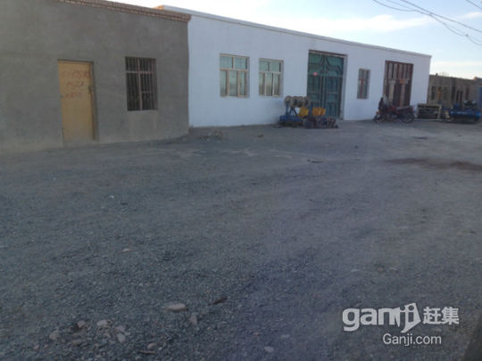 托克逊县煤矿路纺织厂旁边700平房子对外出租-图(2)