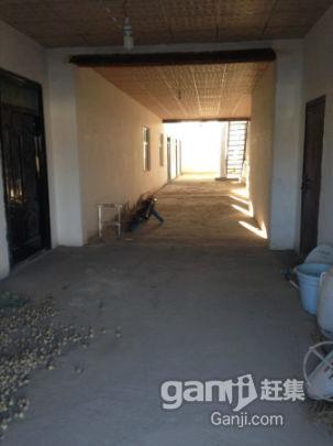 托克逊县煤矿路纺织厂旁边700平房子对外出租-图(4)
