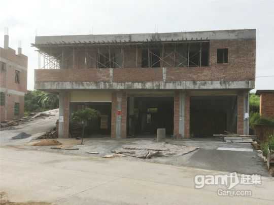 素龙镇七和村中石斗两层楼房-图(1)