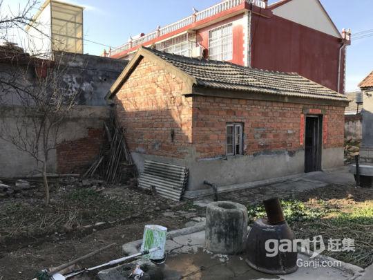 伊山镇河东300平米独立大宅院出售,可作简易仓库或厂房-图(2)