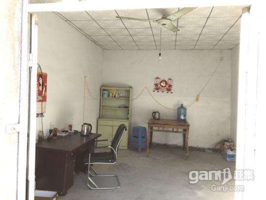 伊山镇河东300平米独立大宅院出售,可作简易仓库或厂房-图(3)