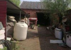 仓库位置好有小院
