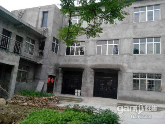 出售一栋框架式三层楼房(总面积1000平方米)-图(1)