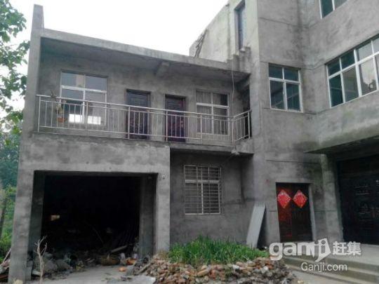出售一栋框架式三层楼房(总面积1000平方米)-图(4)