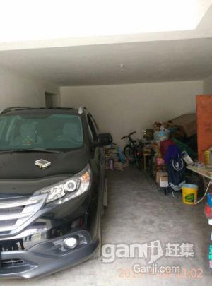 万达、家乐福附近车库出售-图(1)