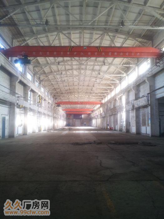 石油新村院内大型厂房库房出租-图(1)