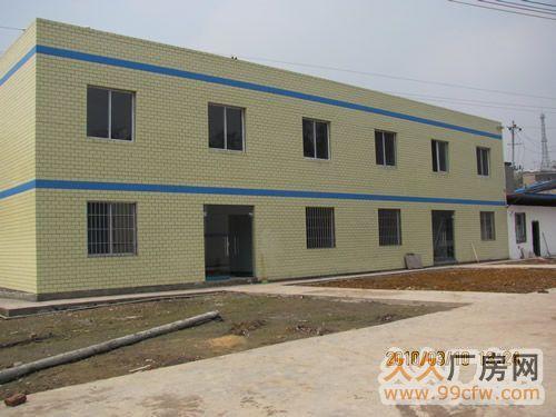 其中车间约1100平米(砖墙彩钢顶,金钢沙地板,车间与办公楼均有外墙砖