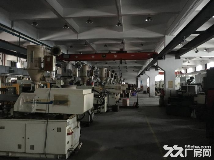 东莞市凤岗镇一楼塑胶模具厂房出租2000平带行车-图(1)