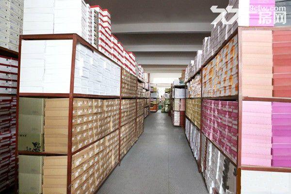 上海小面积仓库出租۞30平米起租۞仓储全托管、外包-图(1)