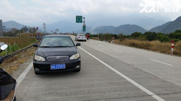 从化温泉桃园高速出口侧边1.5−3亩平地永久转让-图(1)