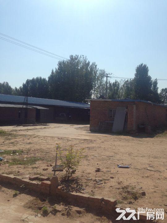 原编织袋厂厂房出租,包含一大一小两个厂房以及六间小房子-图(3)