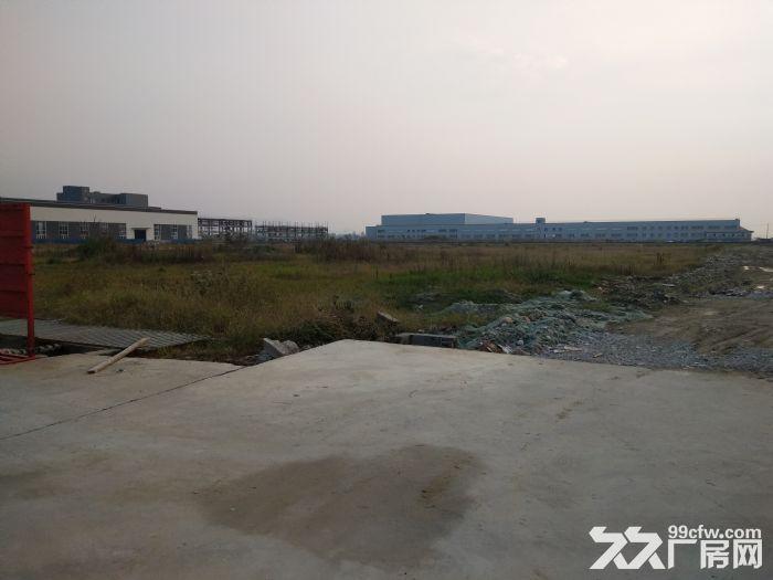 龙泉经开区沃尔沃旁8000平米独栋有环评带超大空地厂房-图(1)