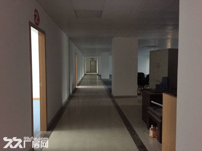 凤岗官井头楼上工业厂房出租950平方,靠近龙凤山庄-图(1)