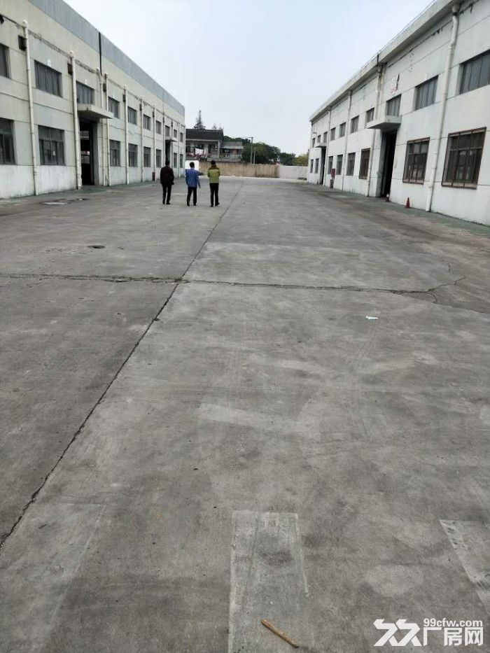 阳澄湖新出园区东单层厂房2200㎡产证齐全价格优惠可分割可架行车-图(1)