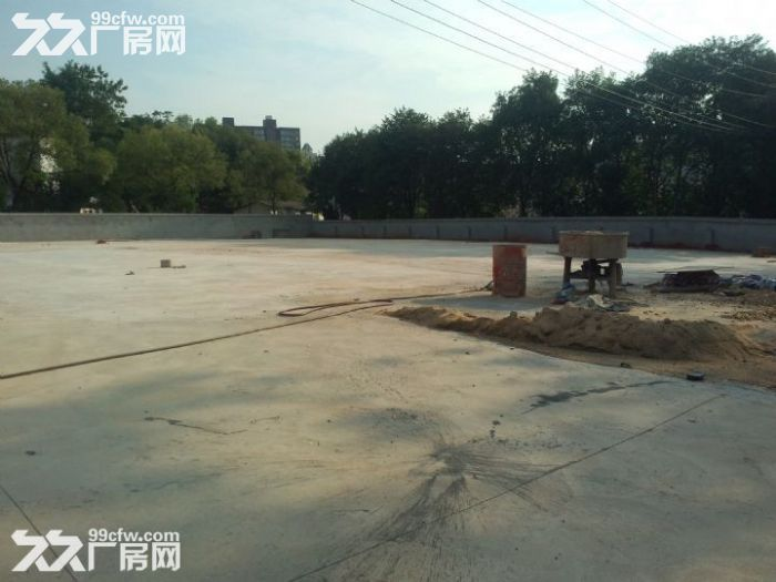 康桥70亩场地出租水泥硬化好21米车好进出可以分小块租-图(1)