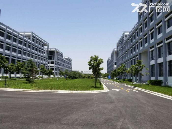 新出!)苏州吴中区迎春南路边一楼3200平米标准厂房出租-图(1)