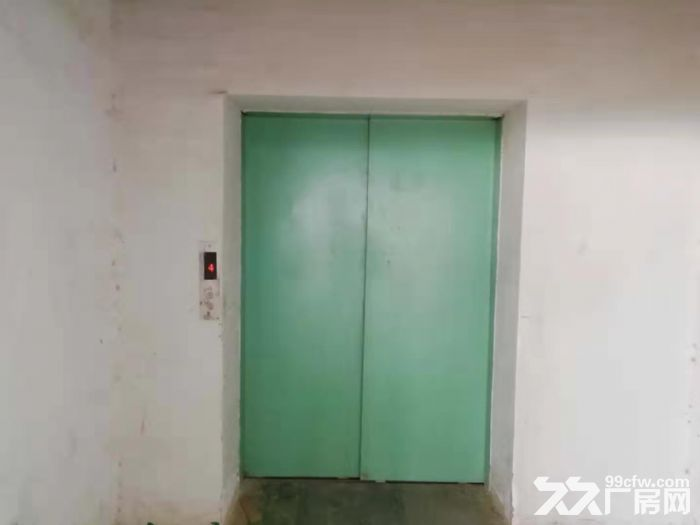 好招工凤岗浸校塘楼上900平方现成水电厂房出租有电梯-图(4)